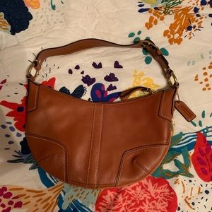 Coach Hamptons Shiny Buck Cognac shoulder bag!